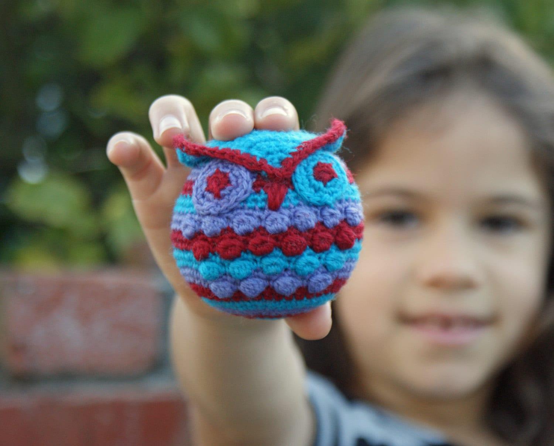 Hootie Who Owl Ornament Crochet Pattern - CrochetEverAfter