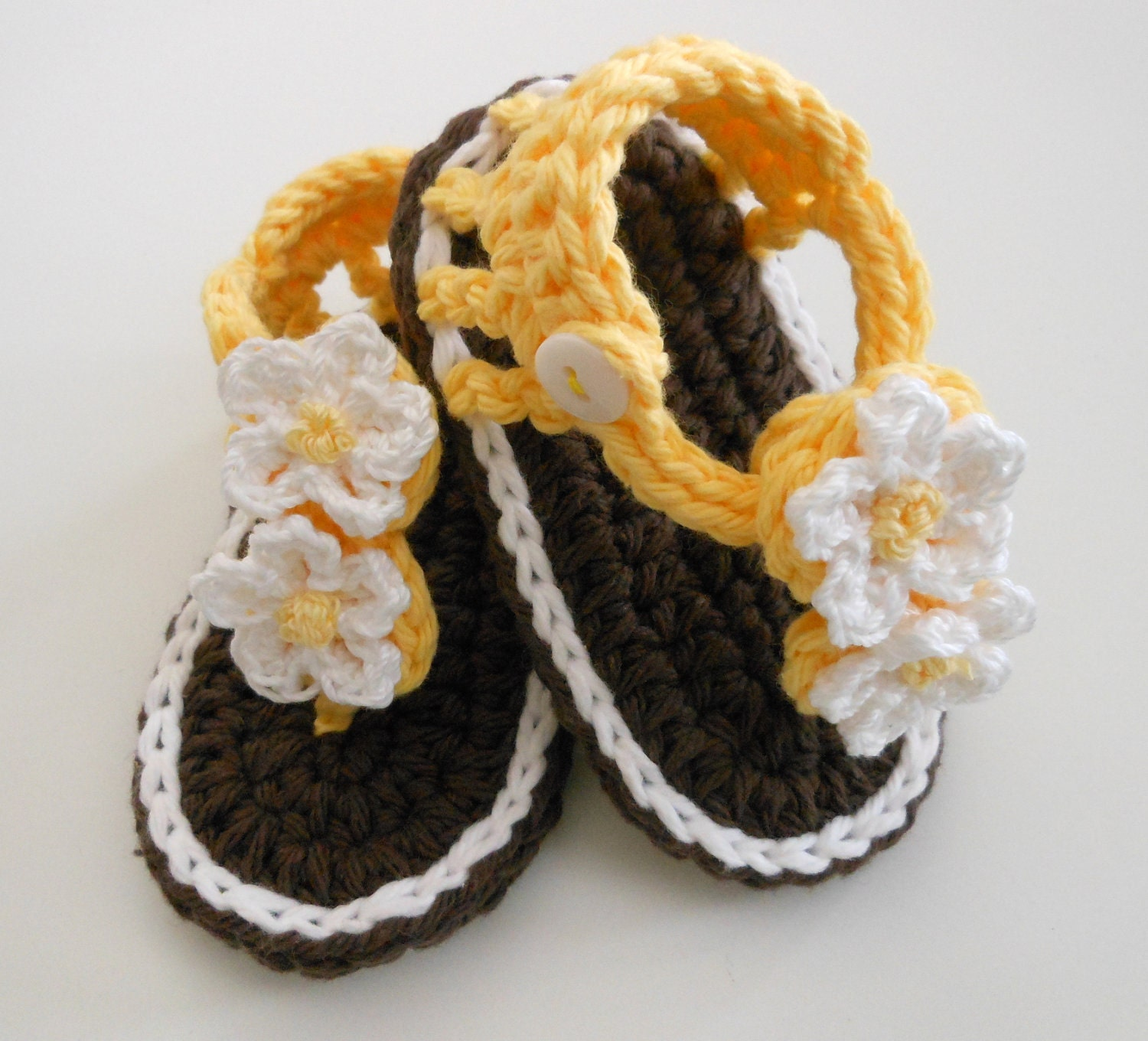 Crochet Bootie Sandals-Crochet Baby Sandals-Crochet Booties-Brown, Yellow,  White - Daisy Flowers & Button Strap -0-6 months-Photo Prop