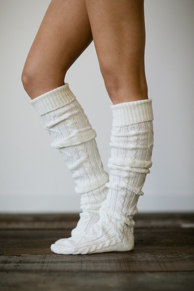 Socks >> Slippers: Free Patterns In this section, you can find free Slippers knitting patterns. Our directory links to free knitting patterns only. But sometimes patterns .