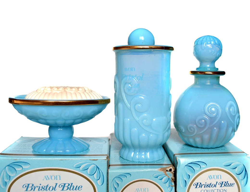 Deadstock avon bathroom decor turquoise by minxourivintage for Turquoise bath accessories