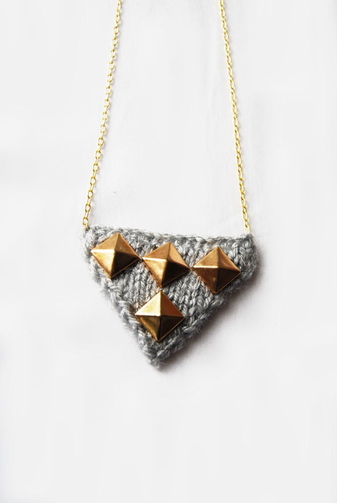 Double Pyramid Necklace in Light Grey and Gold