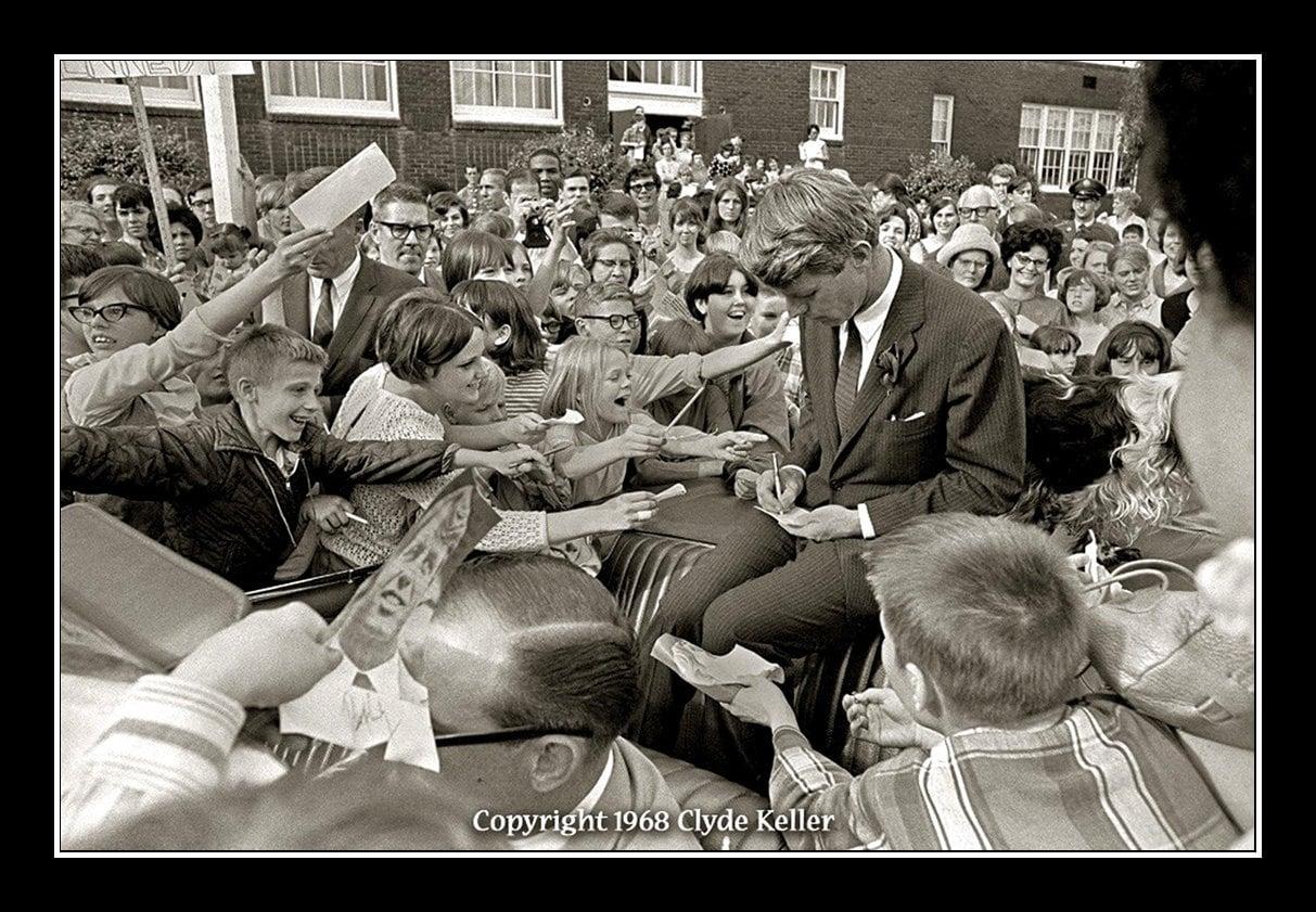 Robert F. Kennedy, WITH CHILDREN, Clyde Keller RFK Photo