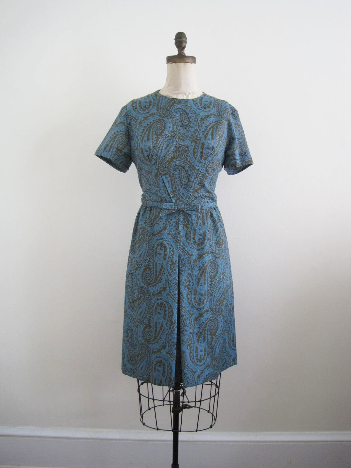 vintage 1960s dress ( AZURE PAISLEY )