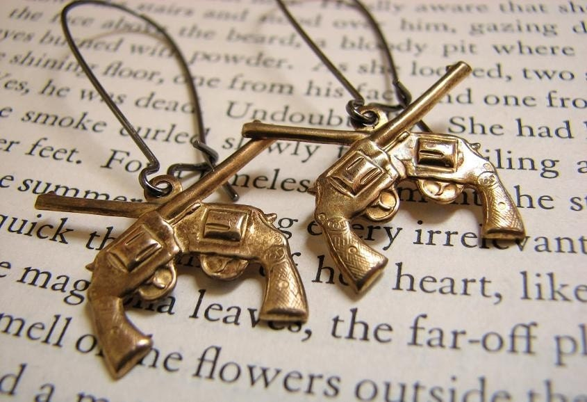 HOT CROSS GUNS......pistol earrings