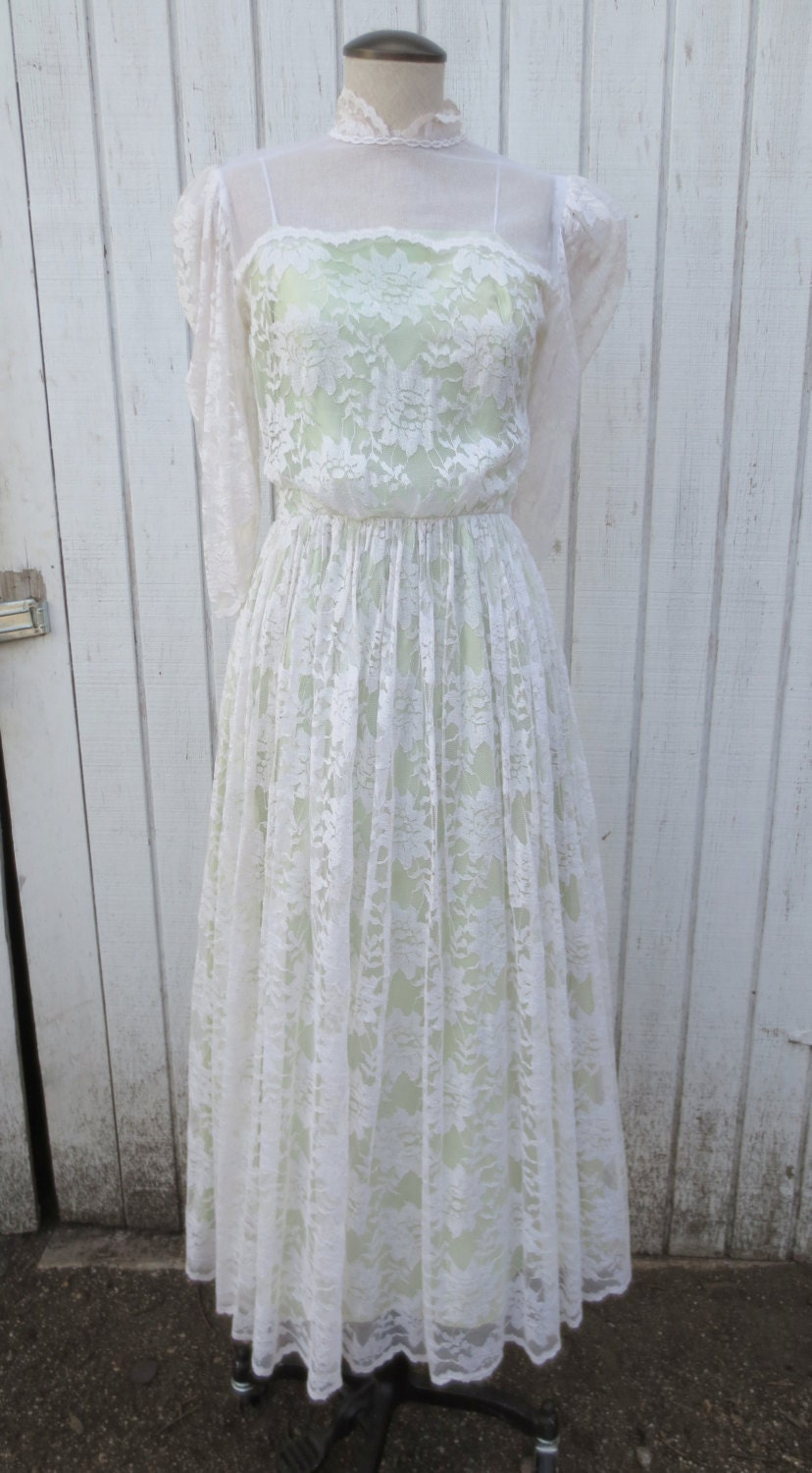 Vintage 7039s dress white lace wedding dress with by kerrilendo for Oxiclean wedding dress