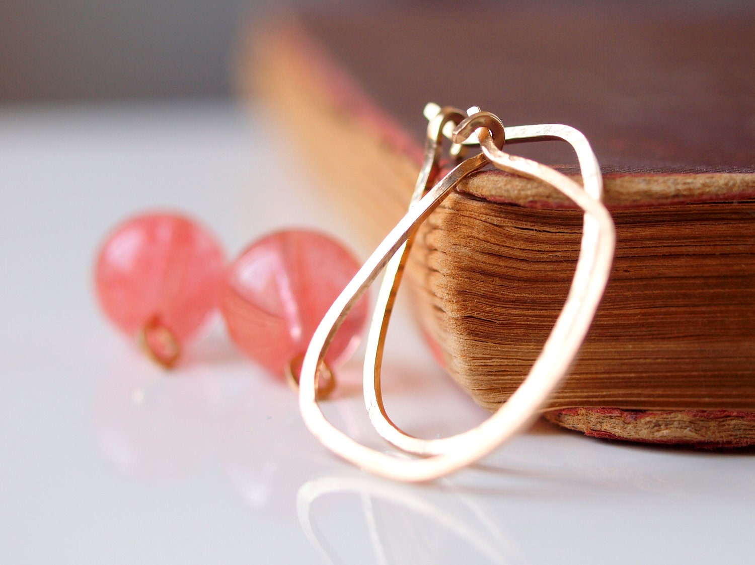 Goldfilled hoop earrings, oval medium shape with detacheable round peach topaz dangle - sianykitty