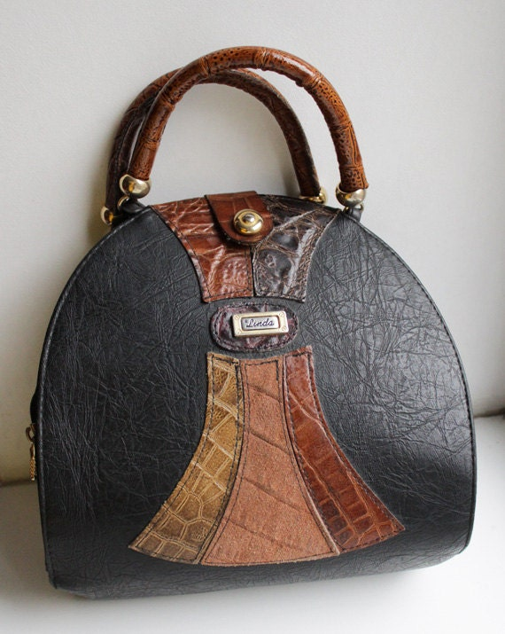 Black vegan leather hard shell handbag - founditgreat