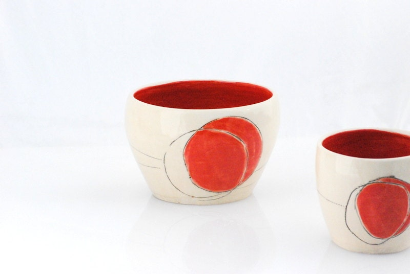 Noodle bowl minimal in white and red - claylicious