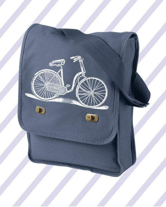 Would it be redundant to sport such a bag whilst riding ones bike? I will let you be the judge.