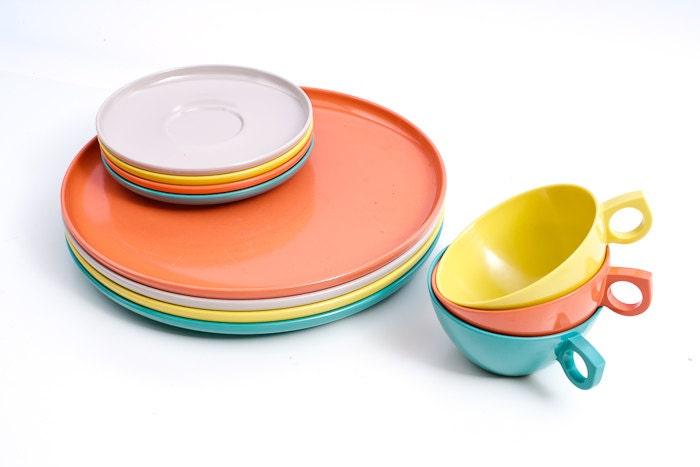Vintage Melamine Set - Cups, Plates, Saucers, Melmac