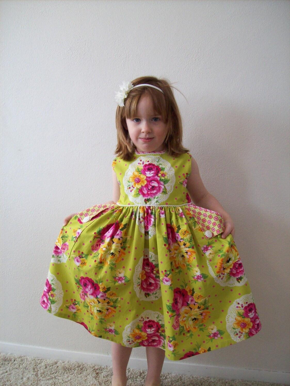 Rose Bouquet Dress Size 5