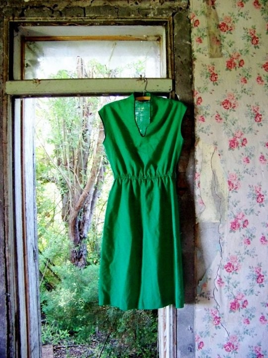 Vintage Kelly Green Office Dress  FREE SHIPPING IN U.S.