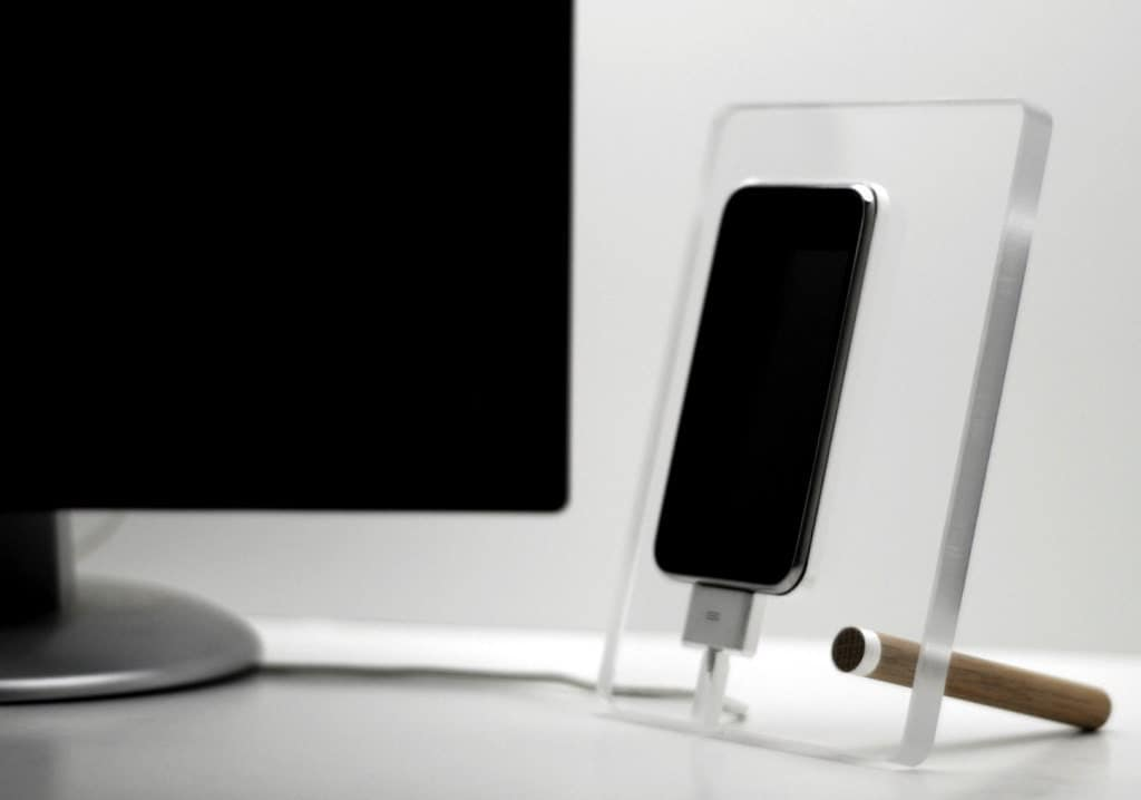 Floating iPhone 5 dock charging phone station by DoerflerDesigns