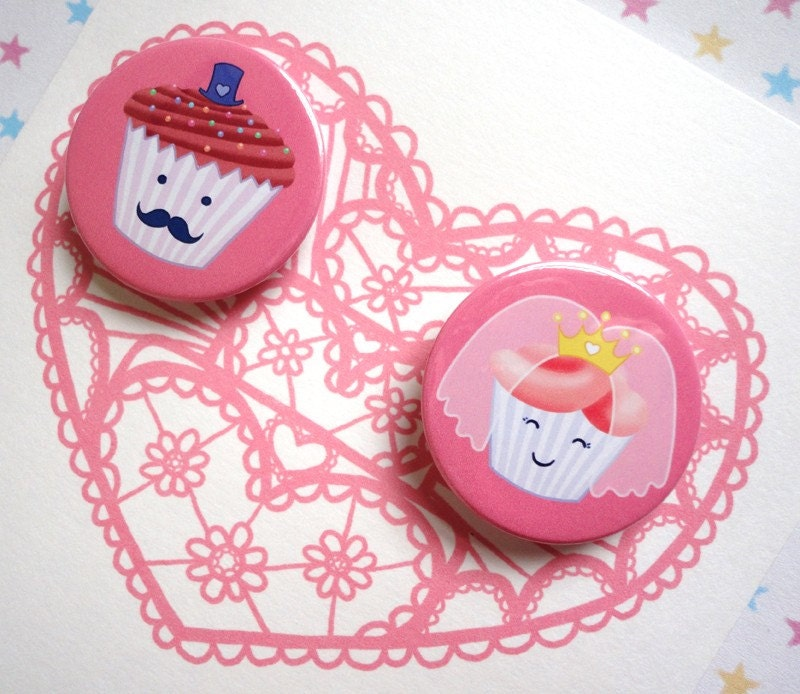 PINK CUPCAKE WEDDING GREETINGS CARD with 2 pinback button badges