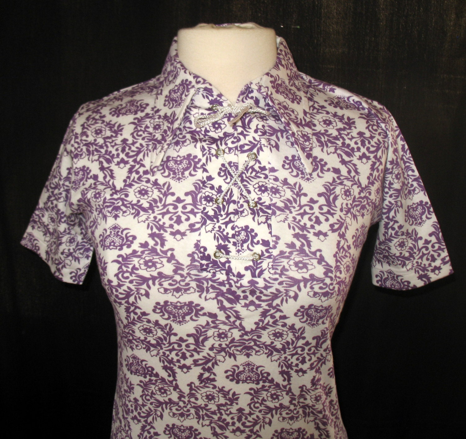 Vintage 1970s Body Shirt Tshirt Cotton Lace Up Front Purple & White Print Size M NOS - sewingmachinegirl