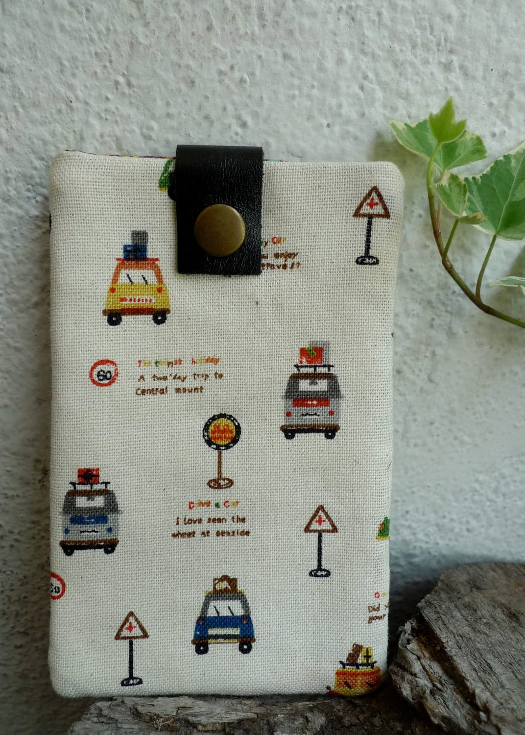 Cute/ Padded iPhone iPod sleeve case - Happy Travelling Cars