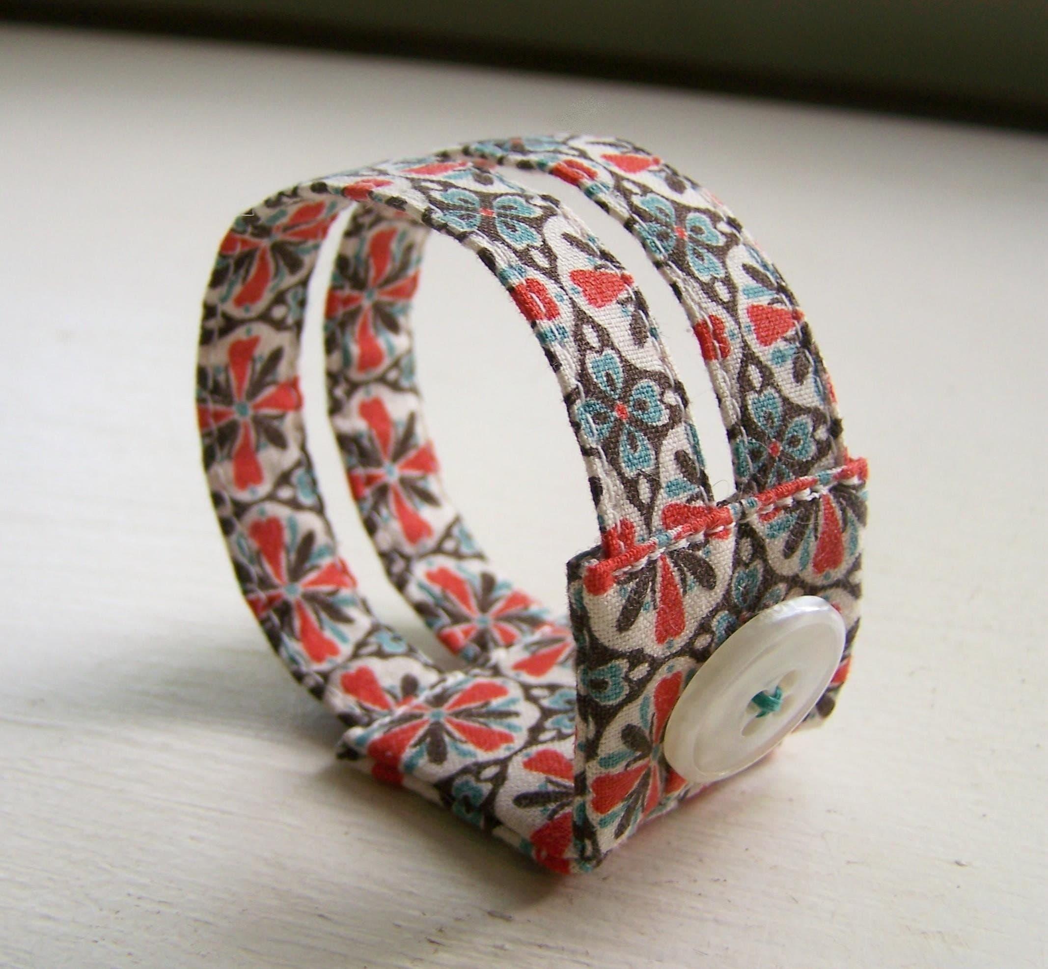 Double strand cuff bracelet in retro red and aqua