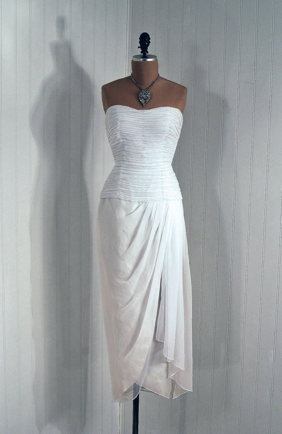 1970's Vintage Mignon Designer-Couture Strapless Crisp-White Heavily-Ruched Chiffon Hourglass Draped-Grecian Wedding Party Cocktail Dress Gown