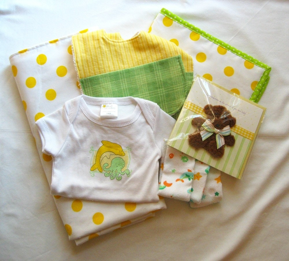 Lemon Lime Baby Gift Set 7 pieces