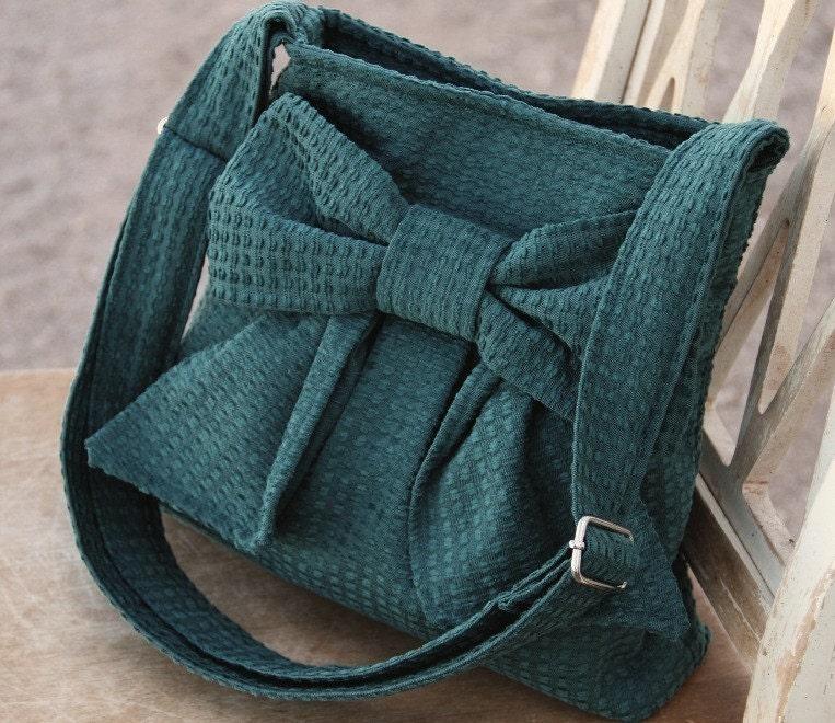S A L E -- MINI.Carpet.Bag  w/ Adjustable Strap (Forest Green)