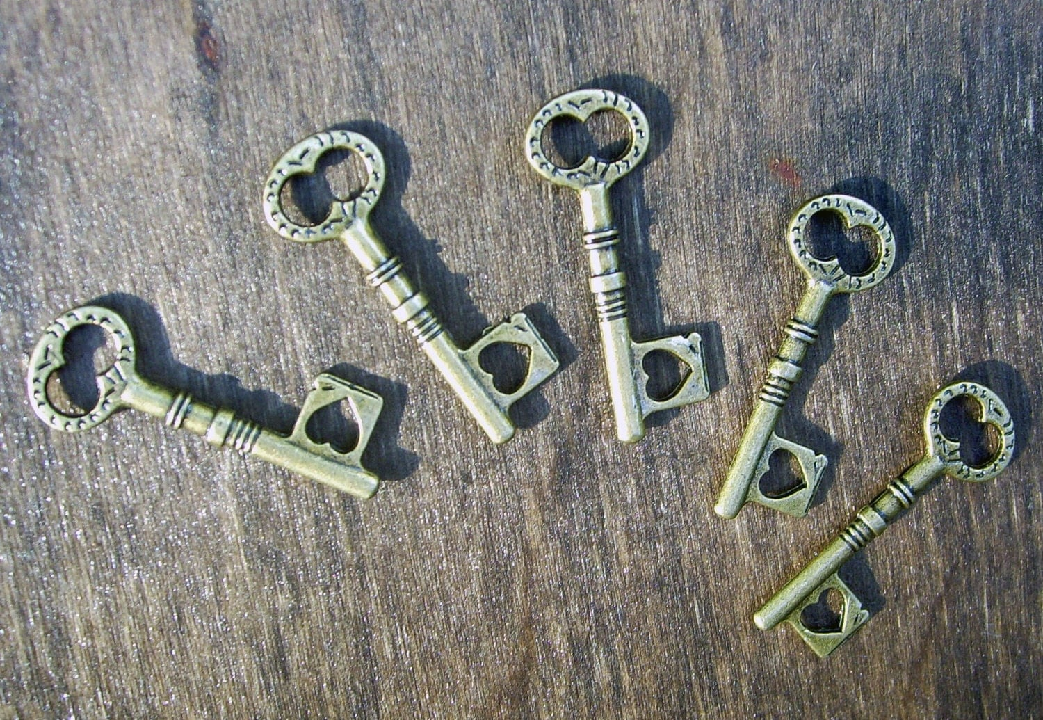 100 pcs antiqued bronze skeleton heart keys charms pendants steampunk vintage style wholesale bulk