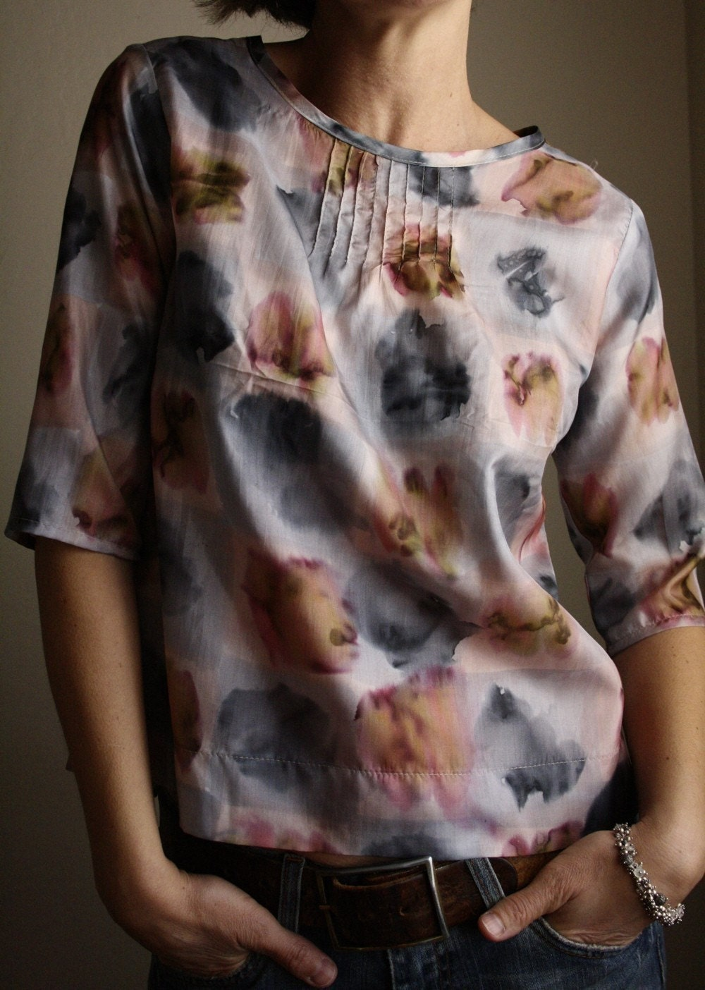pintuck blouse - pale silk print (M)