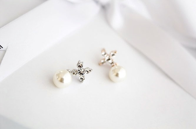 Shiny Cross with Pearl Earrings---simple delicate everyday jewelry with gift box - HappyGreenDay