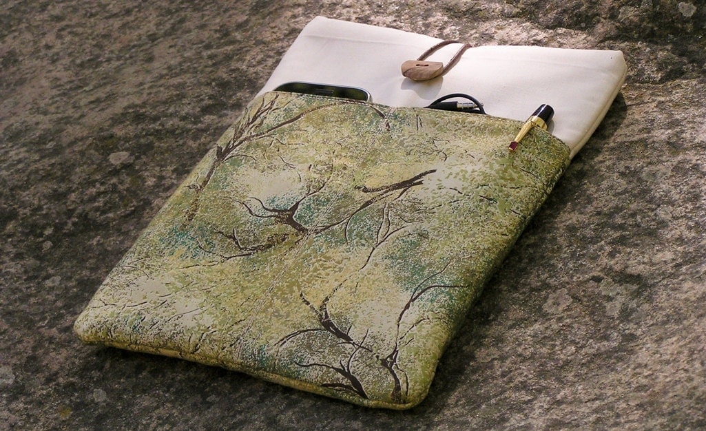 iPad CASE, iPad 3 SLEEVE, iPad 2 & iPad 1 Cover, Green Brown Cream Padded Protector, Cotton, Pocket, Wood Button, Tree Motif - NATgirona