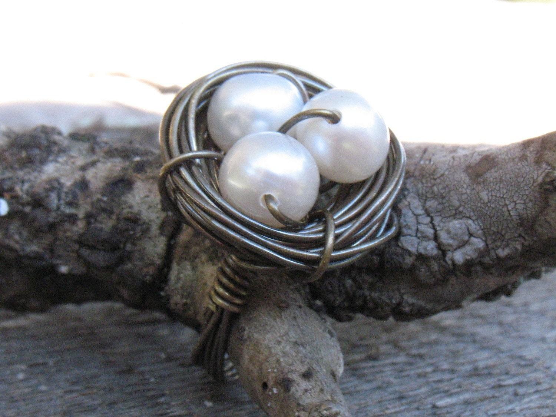L O L A - Bird Nest Ring in Antiqued Brass