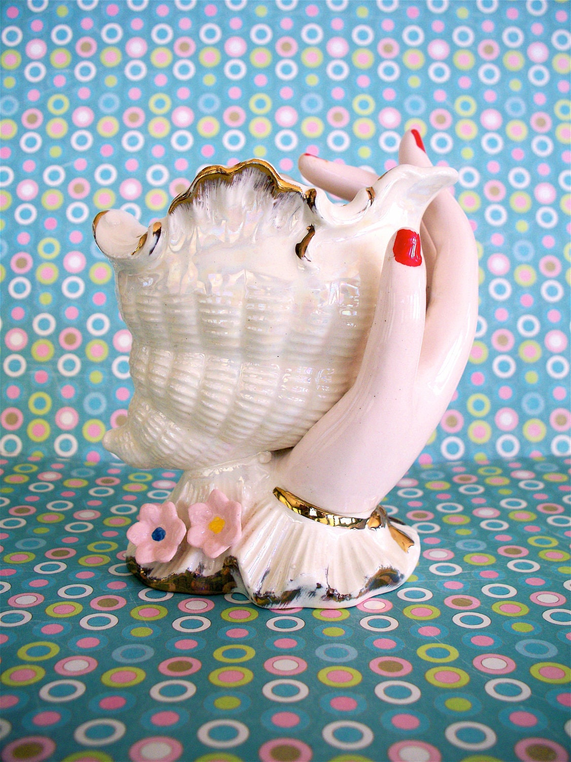 Lovely  Vintage Norleans Hand Holding Sea Shell Vase