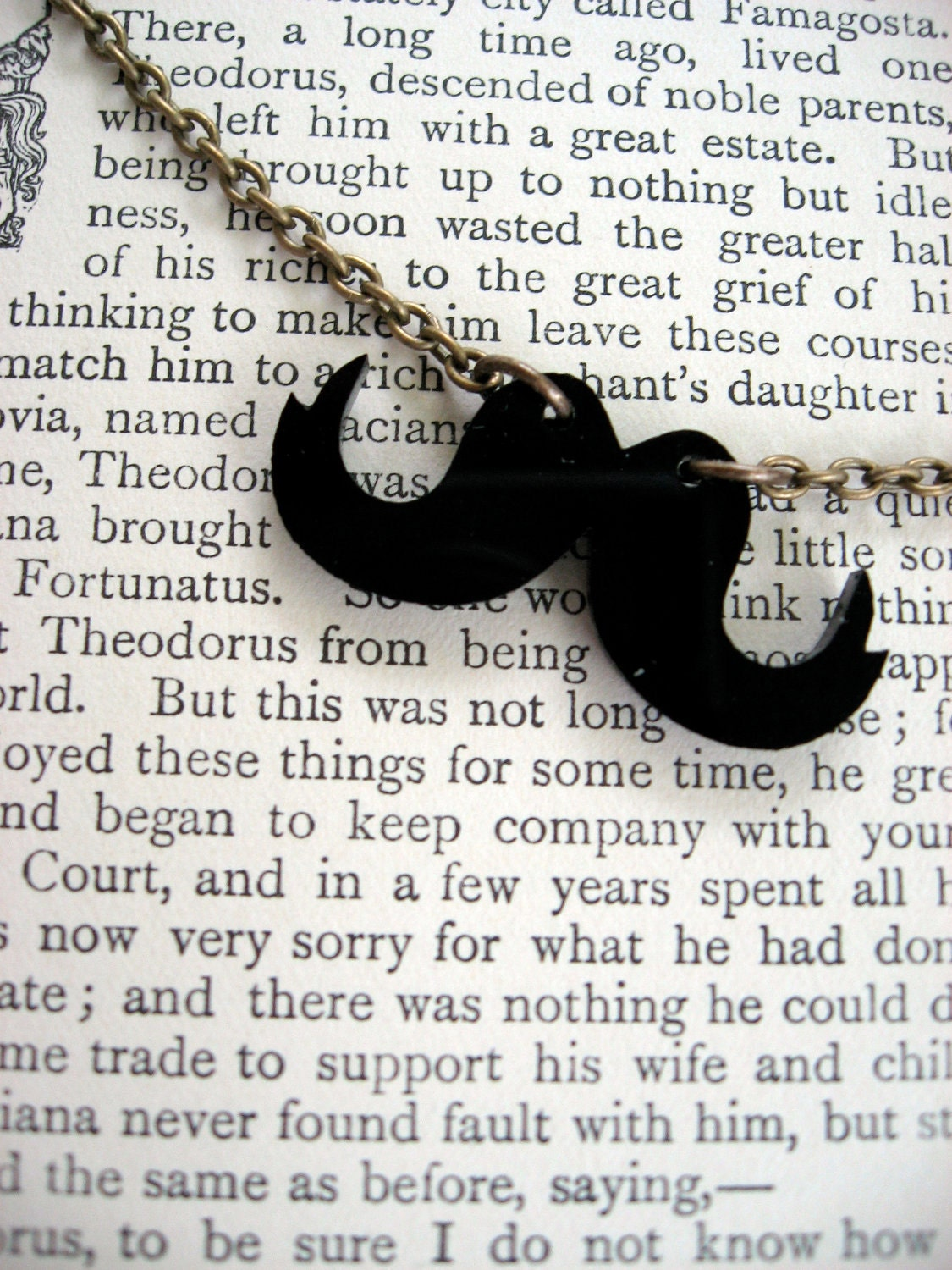 A Vintage-Inspired Mustache Necklace