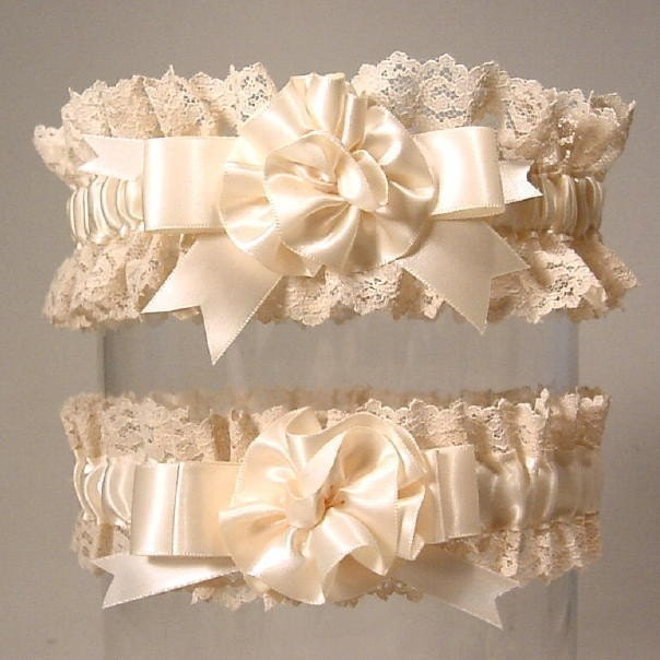 RESERVE ORDER for chelsearay496 SWEET VINTAGE set GARTERS keepsake and toss LIMITED EDITION ivory