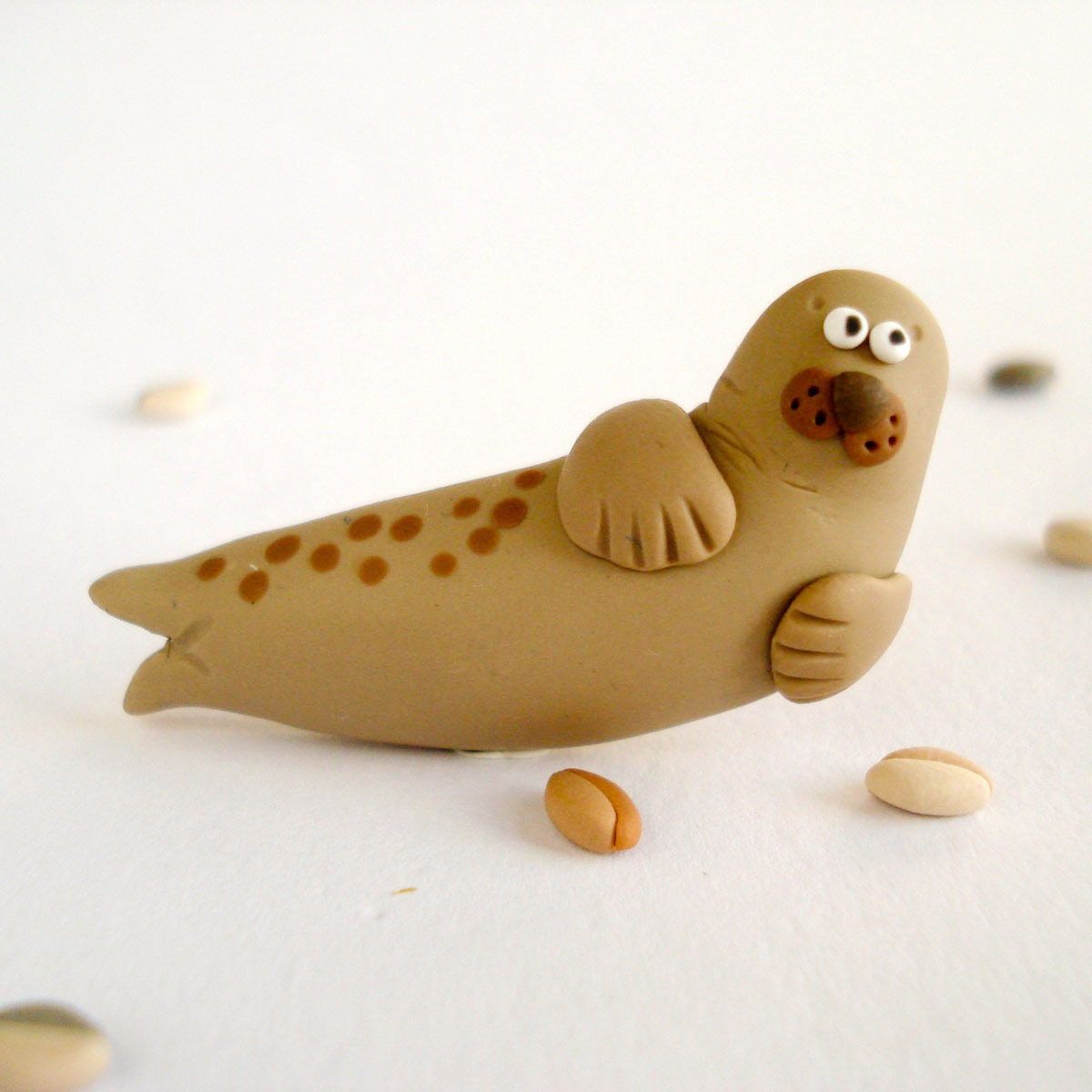 Seal Brooch Whimsical animal jewelry unisex - Thelittlecreatures