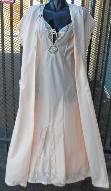 Vintage Barbizon Peinoir Set Mystere de Lys Post WWII Era