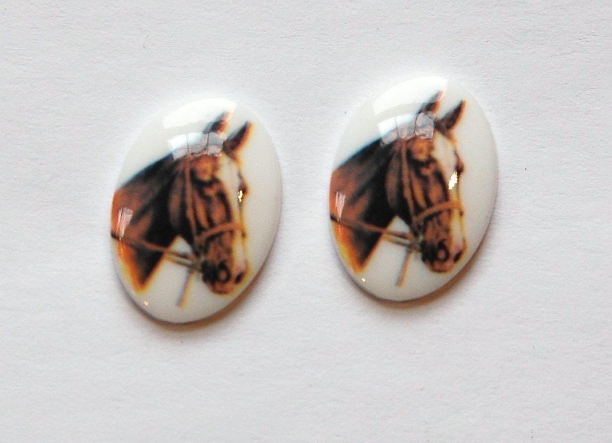 Vintage Brown Horse Acrylic Cameo 18x13mm Germany cab748