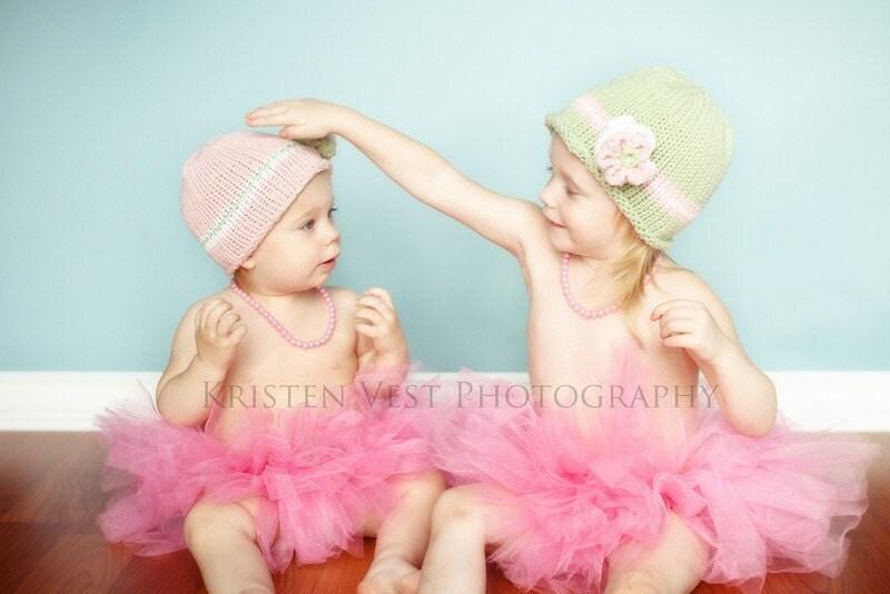 کودک کلاه بافتنی -- سبز صورتی سفید دست کلاه بچه گره را با گل
