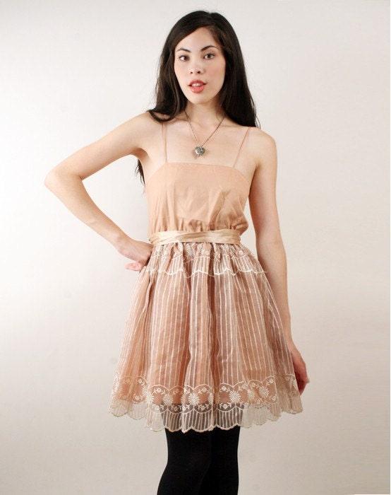 Vintage Ballerina esque Lace Mini Dress from santokivintage