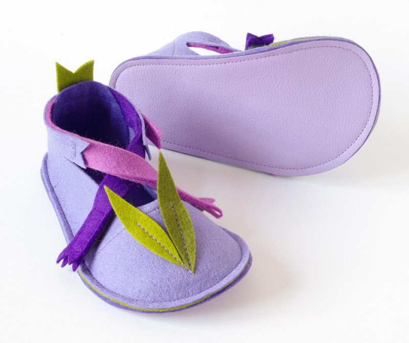 Toddler maryjane shoes LaLa Lavender, soft sole shoes - toddler girl booties with non slip soles - lavender, purple, pink pure wool felt