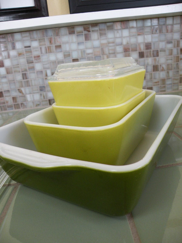 Super Cute Pyrex Refrigerator Dishes Instant Collection Green Green and Yellow With Lids