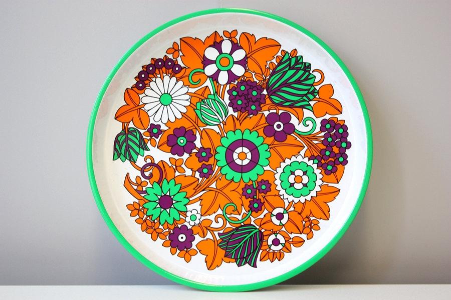 Round tray flower power orange green purple white vintage 70s