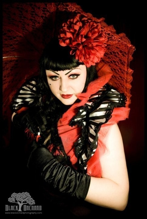 CARNIVALE QUEEN Burlesque Cirque Steampunk Shrug