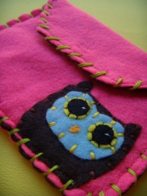 Owly Snap Pouch