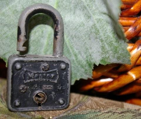Vintage Key Lock- Master