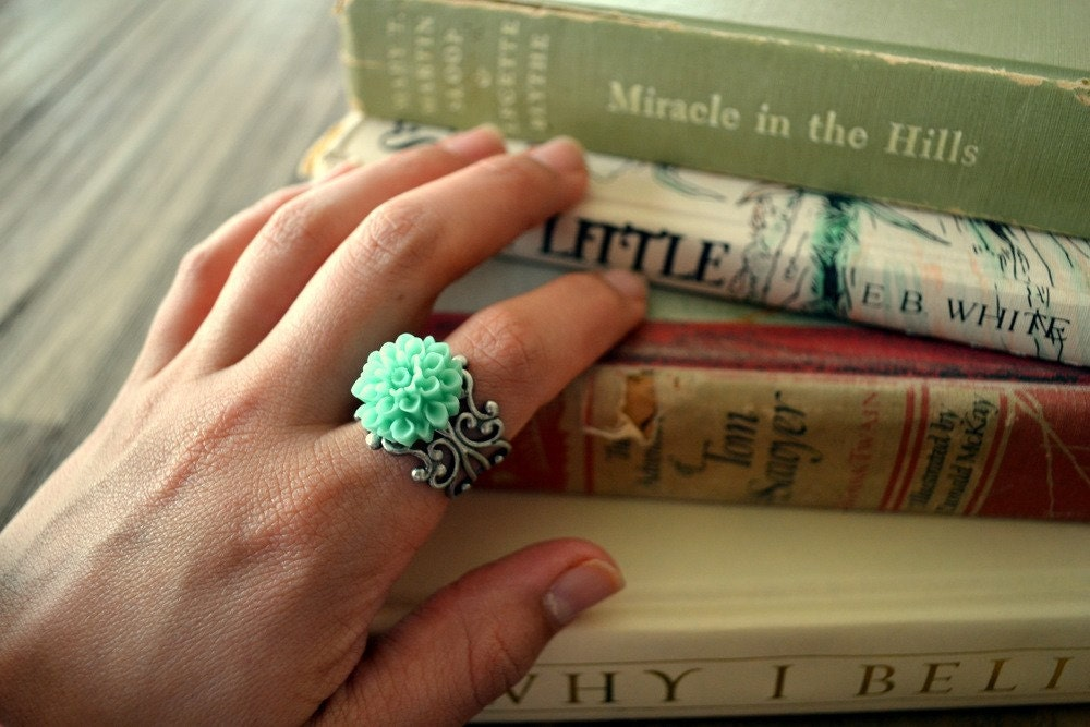 TIDE POOL -- teal mum on an antiqued filigree band