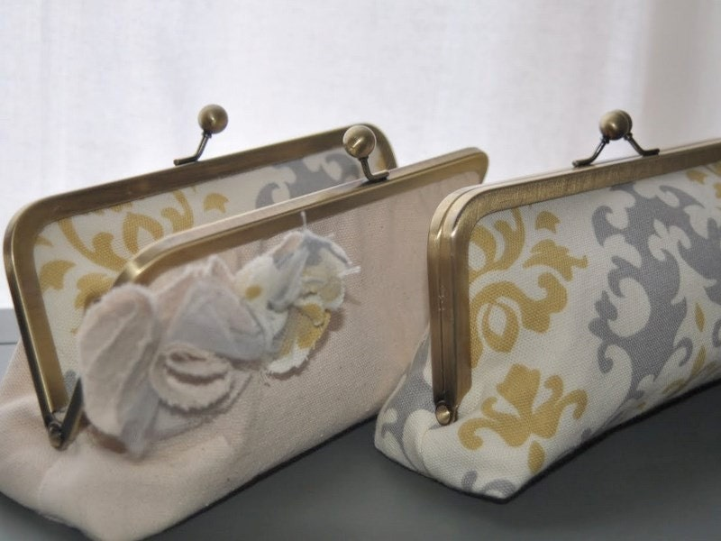 simple stylish sarah clutch
