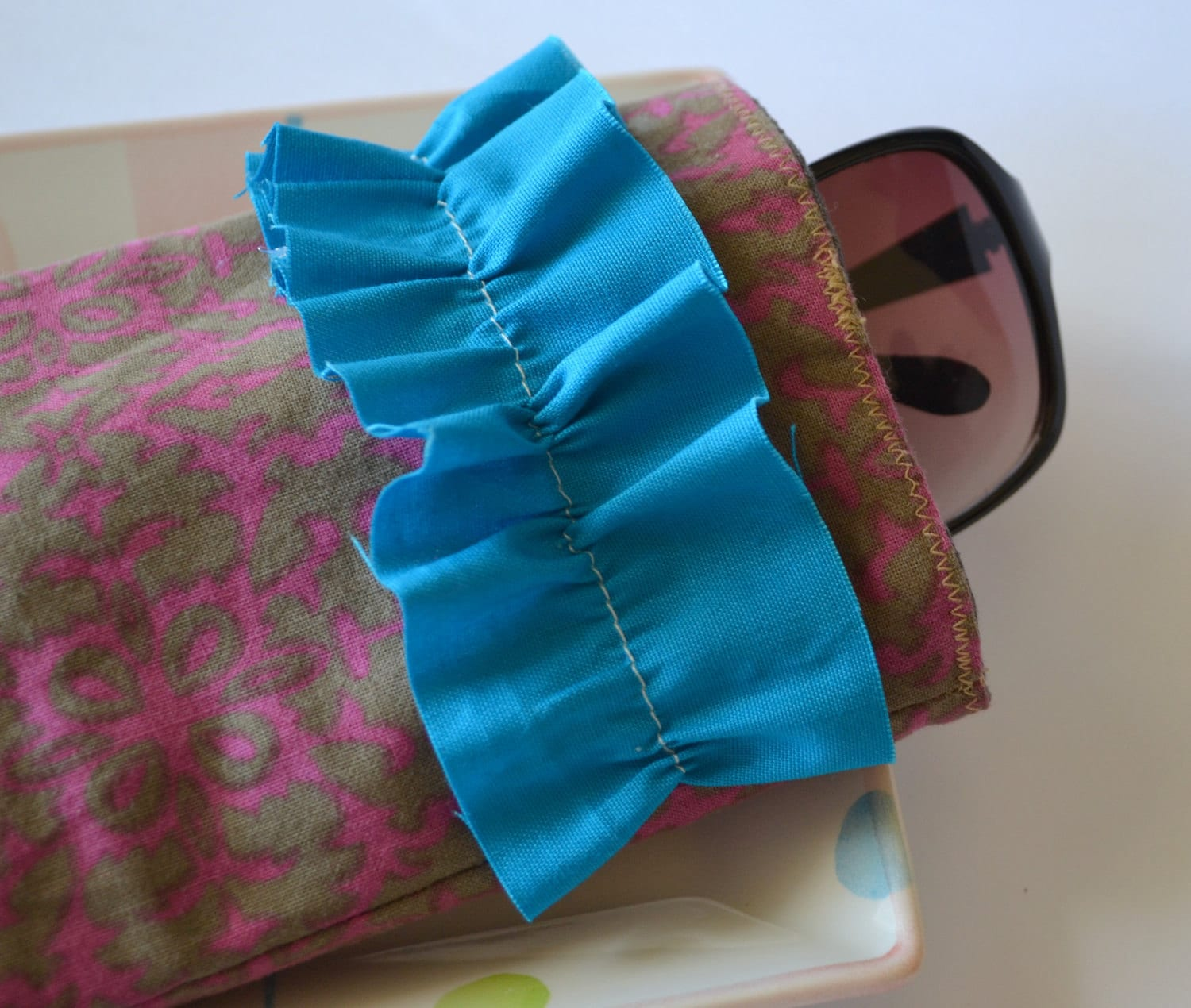 Ruffled Fabric Sunglasses Case