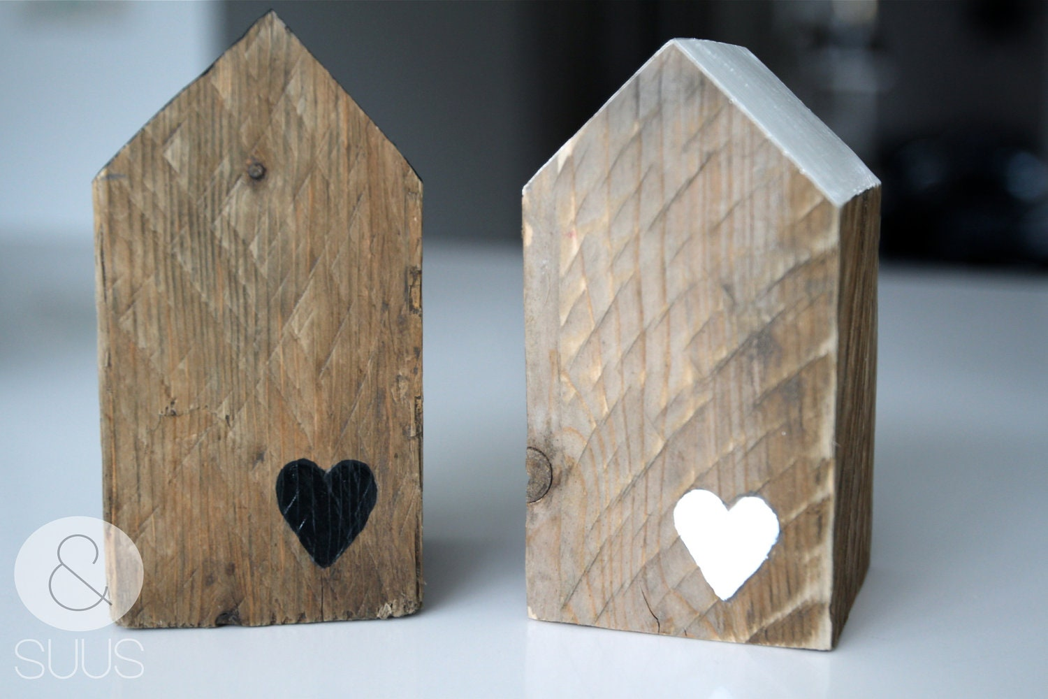 Houses of old wood with heart - ensuus