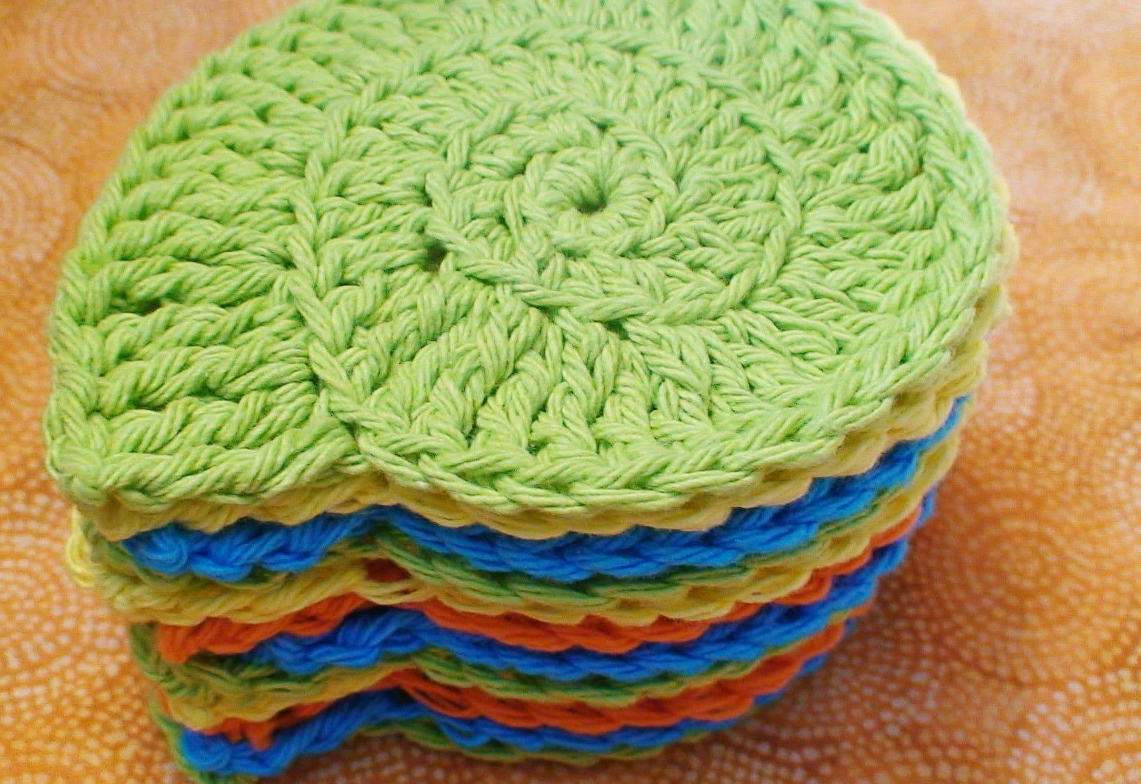 Crocheting Gifts : http://BallofYarn.etsy.com/ )