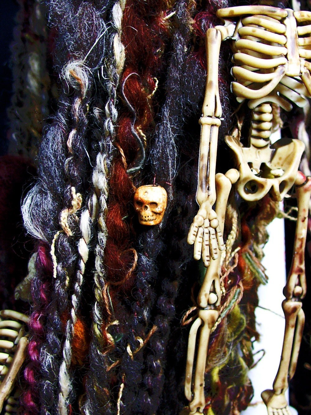 SKELETAL REMAINS - handspun yarn (116 yds)
