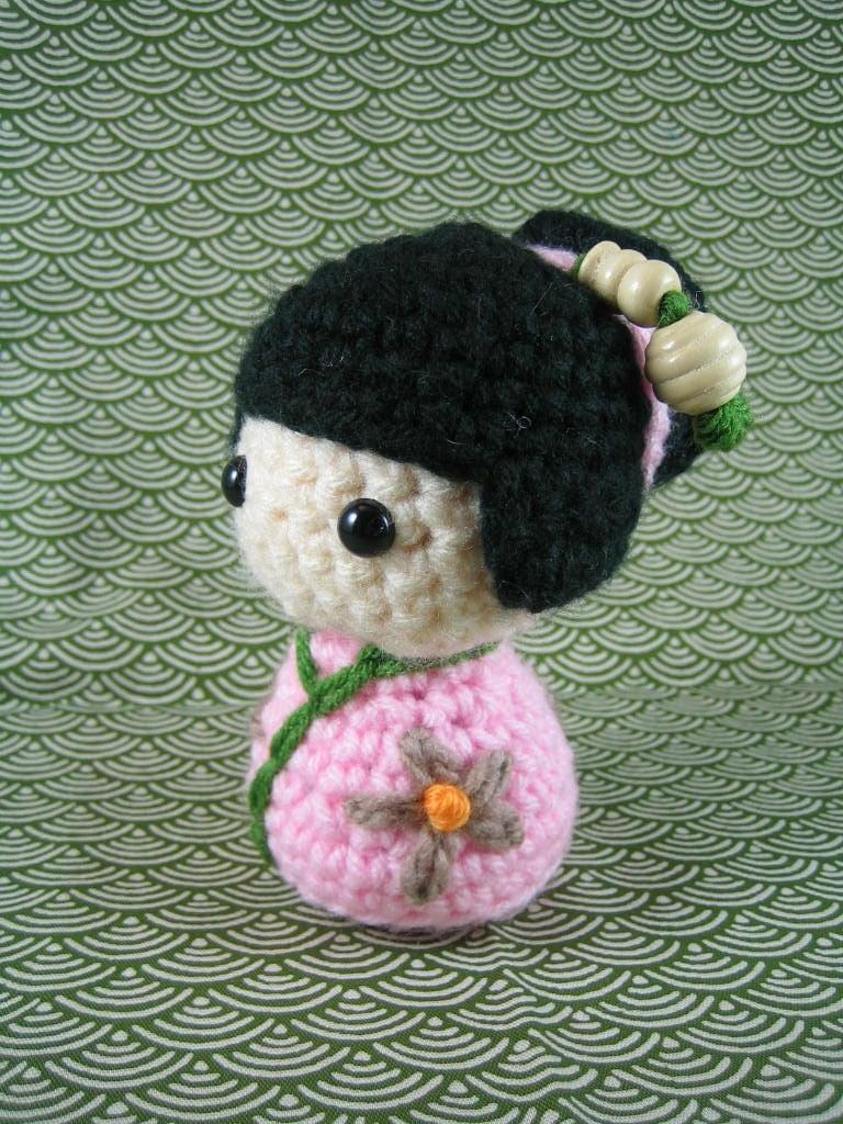 Momoko amigurumi kokeshi doll